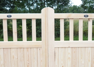 Framed part solid flat top driveway gate
