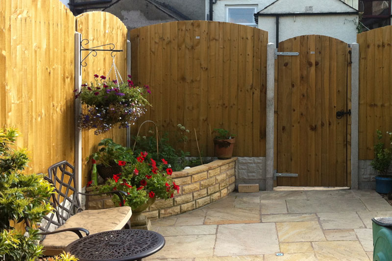Feather Edge Arched Top Panel Empress Fencing Clitheroe